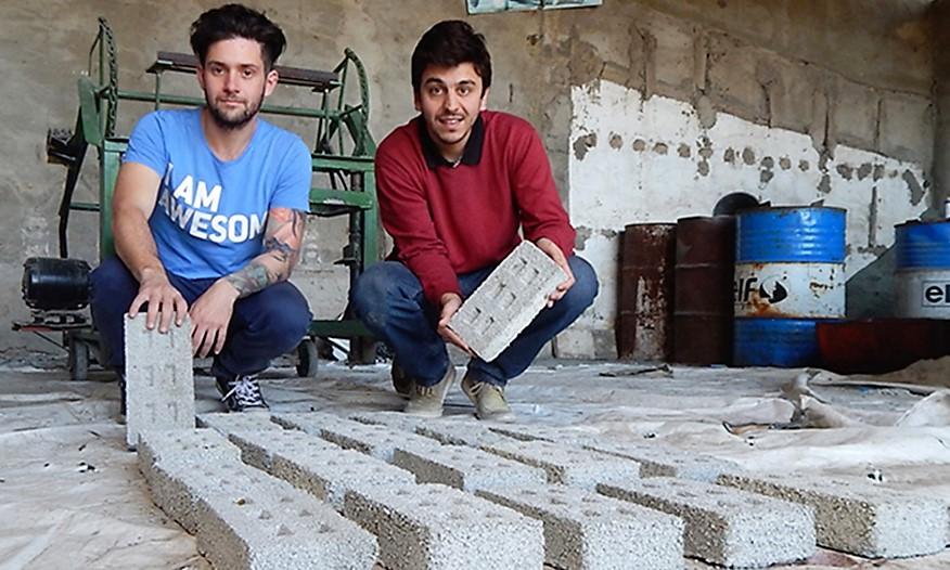 Una ONG Argentina que fabrica ladrillos ecológicos ganó un concurso de Google.