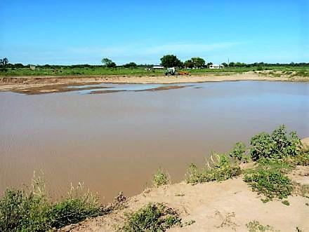 Calor fatal: un joven se ahogó al meterse en una represa y otro murió al tocar mojado un ventilador.
